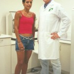 Dr. Alexandre Cosendey e a triatleta Fernanda Keller