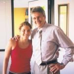 Dr. Alexandre Cosendey e a atleta de saltos ornamentais Juliana Veloso