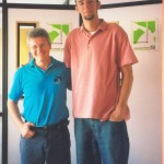 Dr. Alexandre Cosendey e o jogador de basquete Raphael Haefeli