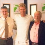 Dr. Alexandre Cosendey, o iatista Robert Scheidt e Silvio Abreu, na época, já presidente da Federação Brasileira de Vela e Motor