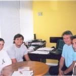 Dr. Alexandre Cosendey e o jogador de vôlei de praia Pará